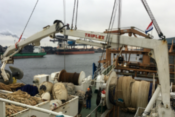 Reparatiewerkzaamheden in de scheepvaart aan laad- en loskranen