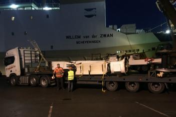 Reparatiewerkzaamheden in de scheepvaart op ieder uur van de dag.